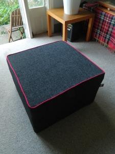 restrelax-rosie-footstool
